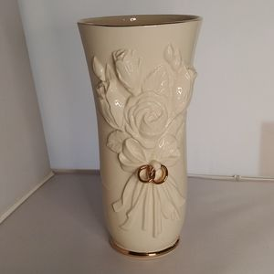 Lenox Embossed Flowers with Rings Gold Plated